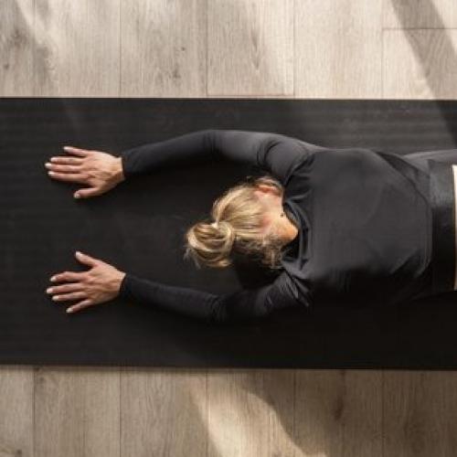 woman-stretch